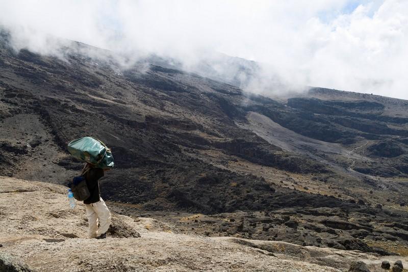 Descent towards Karanga Valley